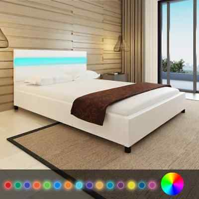 vidaXL Letto con LED 140 x 200 cm in Pelle Artificiale Bianca