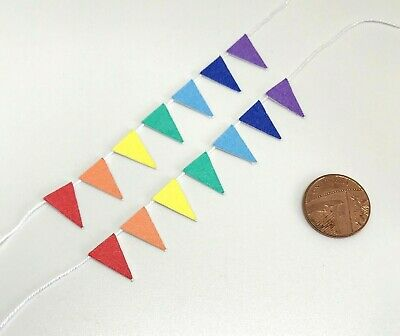 Dolls House Miniature 2 x Colours of the Rainbow Bunting (DD226) P&P Combined