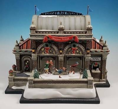 Department 56 Christmas at Lakeside Park Pavilion City Series 59267 Limited Ed