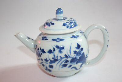 KangXi (1662-1722) 18th Century Antique Chinese Porcelain Blue and White Teapot