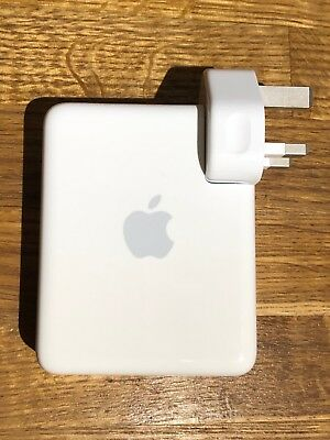 Apple AirPort Express 802.11n 1st Gen (A1264) Airplay, WiFi access point etc.