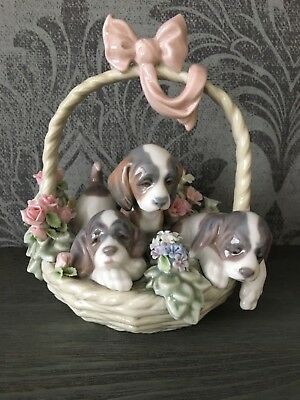 Porcelain  figurine Lladro Puppies in the basket
