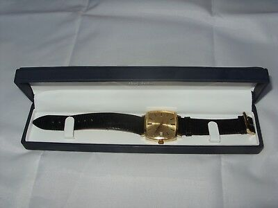 Rare Gents Longines Automatic Wrist Watch In 18ct 750 SOLID Gold cushion Case.