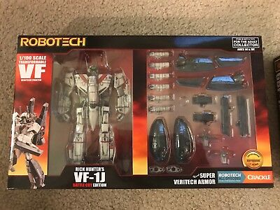 SDCC 2017 Exclusive Robotech Rick Hunter's VF-1J Battle Cry Edition