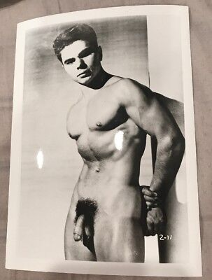 Vintage Nude Photos Male ~ Black and White 5x7 Gay Interest