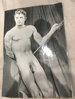 Vintage Nude Photos Male ~ Black and White 5x7 Gay Interest 50's Or 60's