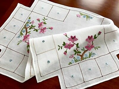 Vintage Hand Embroidered White Linen Large Table Centre Cloth 19x31 Inches