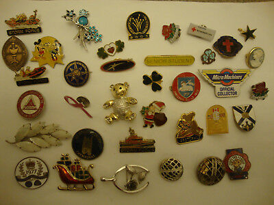 Nice old vintage retro and modern mixed age job lot of old  brooch pin badges