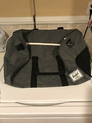 d3555c8193c0 Herschel Supply Co NOVEL Duffle Bag Gym Carry-On Travel  SHOE COMPARTMENT   Grey