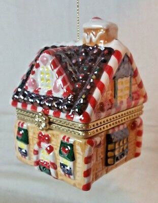 Ginger Bread Candy House Music Box with rotating Ginger men Ornament