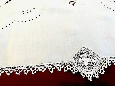 Beautiful Vintage Hand Embroidered CUTWORK Crochet White Linen TableCloth 40x41""