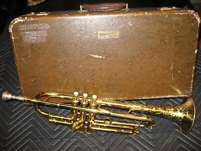 Vintage '45-'47 The Buescher Model 205 trumpet and case