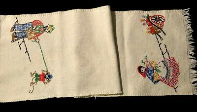 Adorable Antique Country Style Primitive Hand Embroidery Runner Off-White
