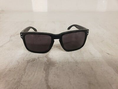 4b31dc10f9 MENS OAKLEY HOLBROOK Oo9102-01 Sunglasses With New Polarized Lenses ...