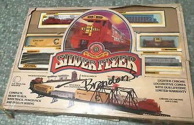 Rare Vintage - HO Bachmann Silver Flyer HO Electric Train Set - Very Nice
