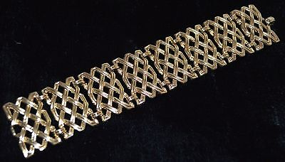 Trifari CROWN Bracelet BASKET WEAVE WIDE GOLD Brass No STONE VINTAGE DESIGNER
