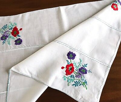 Vintage Hand Embroidered White LINEN Table Centre Cloth 26X19 Inches