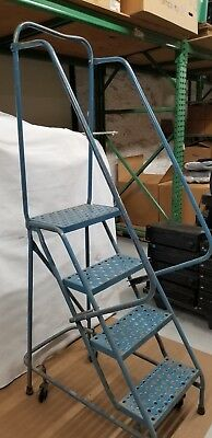 Rolling 4 Step Ladder Stockroom Handrail Guardrail Platform