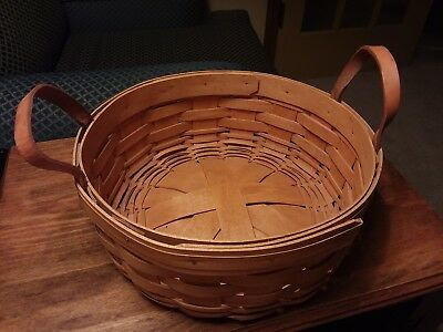 1995 Longaberger Round Basket, 2 Leather loop handles and protector