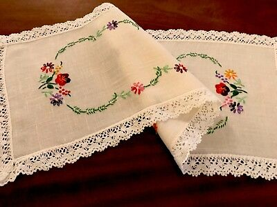 Vintage Hand Embroidered Cream Linen & Lace Table Runner Cloth 26X10.5 Inches