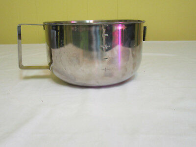 Farberware 3 Qt Stainless Steel Batter Mixing Bowl 729 Measuring Cup Grip N Whip