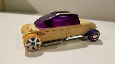 AUTOMOBLOX X9X by Calello Authentic Wooden Car