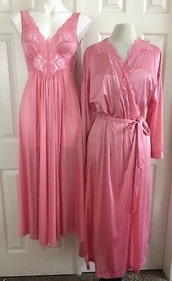VANITY FAIR Peignoir Set Gown Robe Nightgown Negligee Nylon Floral Lace Pink Vtg