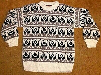 VTG ISHKA KNITTED Sweater Handcrafted Ecuador 100% Wool One