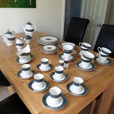 Royal Doulton Carlyle Superb Dinner And Tea Service. First Class Condition