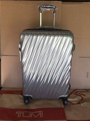 Tumi 19 Degree Short Trip Packing Case Hardside Spinner Luggage Suitcase Silver