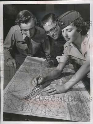 1960 Press Photo Civil Air Patrol Cadet Conference Working on Plotter Problem