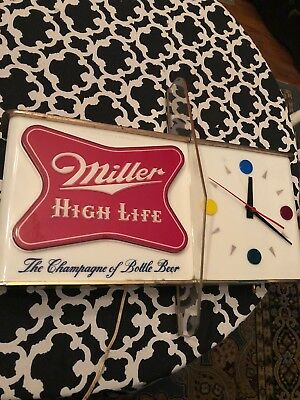Vintage 1957 Miller High Life / Shark Fin Lighted Beer Clock / Advertising Sign