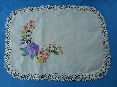 Vintage  Embroidered Doily Doiley Doilie
