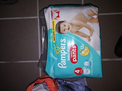 Couches pampers taille 4