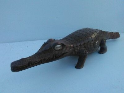png crocodile carved wooden