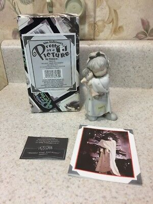 Kim Anderson Pretty As A Picture Wrapped With Love Figurine