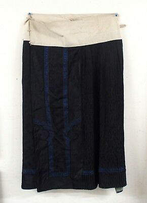 Fine antique 19th century Chinese lady's embroidered silk and satin skirt