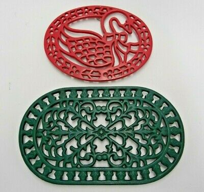 Lot Of 2 Christmas Trivets Green & Red Goose Swan Oval Iron Wall Decor Holiday