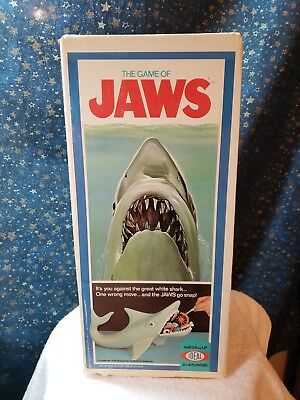 Vintage 1975 The Game Of Jaws In Box IDEAL - SHARP GRAPHICS!