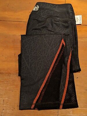 d68db264d52d5 BNWT Marvel Hero Elite By Her Universe Spider Black Capri Leggings  Pants