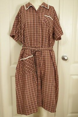 Vintage 1950's Red and white cotton house dress day dress good condition