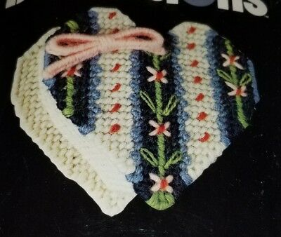 Vintage Dimensions Needlepoint Heart Trinket Box Pat Zitomer 1980