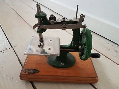 Vintage Antique E.L. GRAIN Small Junior Hand Sewing Machine Collectable
