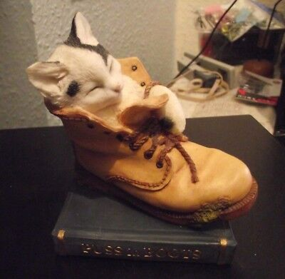 Country Artists Puss in Boots - Preowned