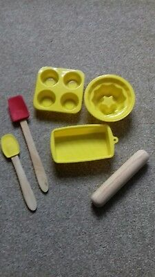 Kids Baking Set (Silicone Moulds, spaula sppons & Wooden Rolling Pin)