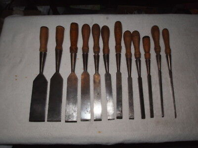 PECK STOW AND WILCOX 12 piece SQUARE-EDGE SOCKET CHISEL SET IN GOOD CONDITION