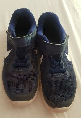 9ab17e2018 BOYS NAVY NIKE Revolution 3 trainers Size 1 UK Junior GC - £5.00 ...