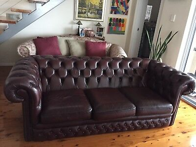 Chesterfield. 3 Seater Burgundy Leather Lounge Sofa Couch.