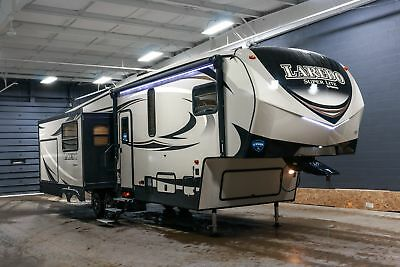NEW LAREDO 298SRL SUPER LITE 3 SLIDE REAR LIVING 5TH WHEEL w/7 YR WARRANTY