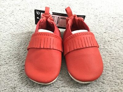 M&S PRAM SHOES IN RED LEATHER THAT'S SOFT WITH TASSLES ACROSS - 0-3m - BNWT